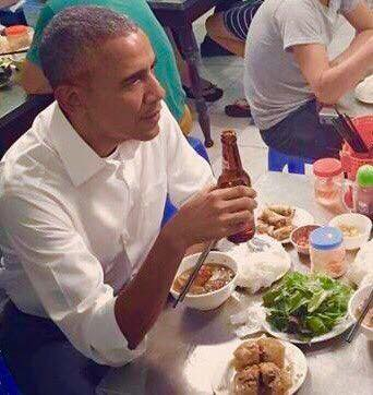 Câu chuyện ông Obama ăn bún chả Việt Nam !
